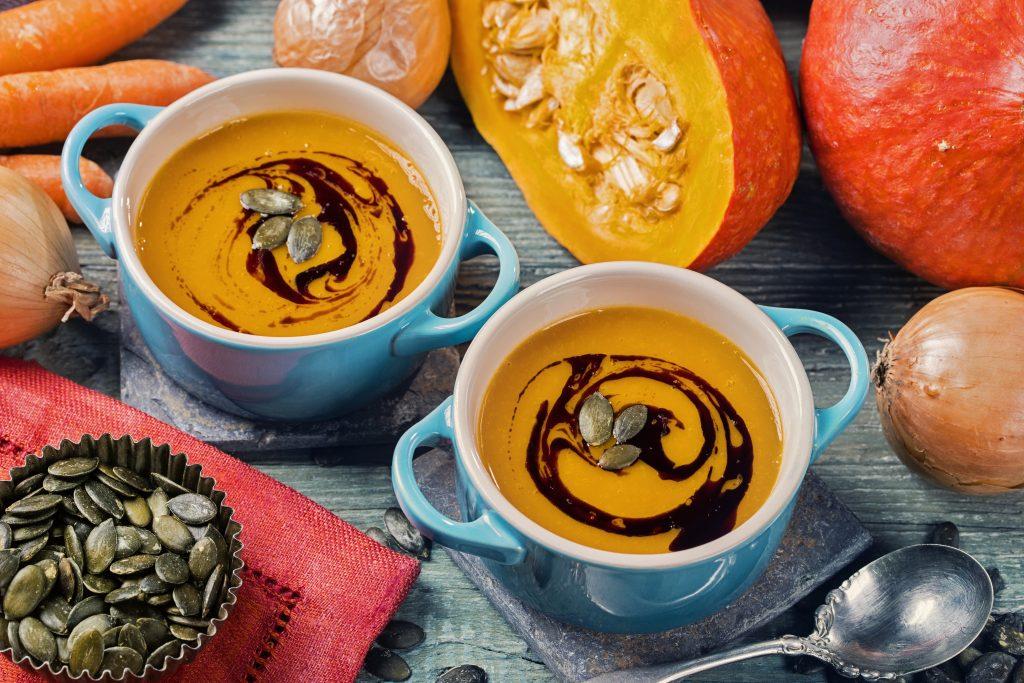 Tekvicová krémová polievka s tekvicovým olejom